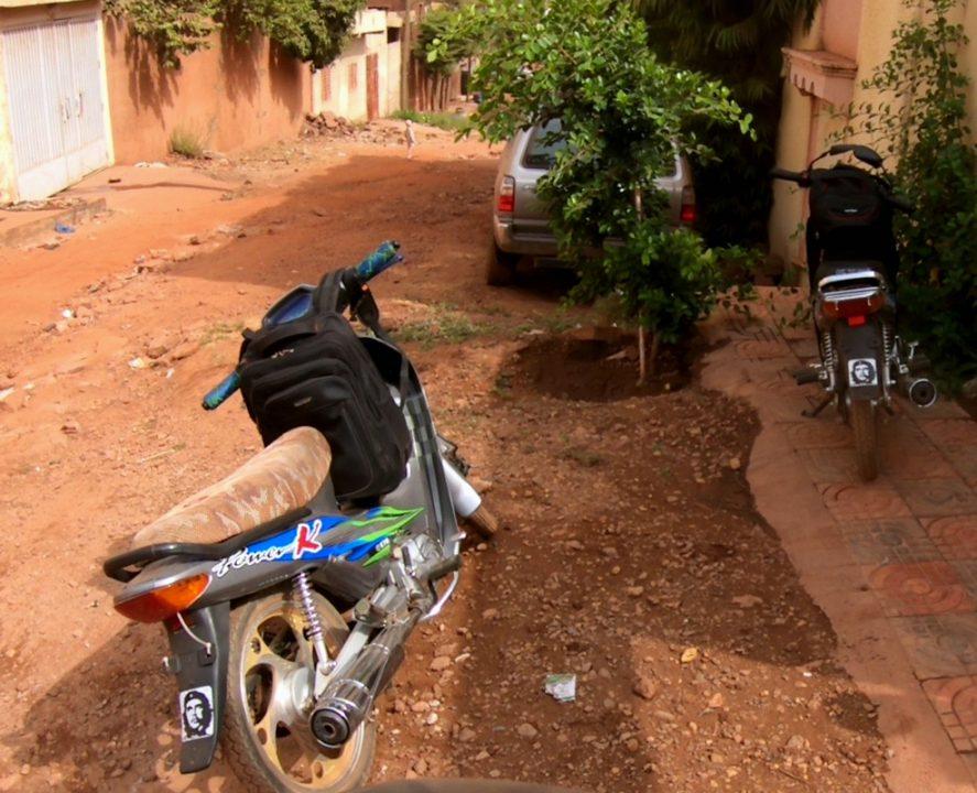che guevara motos mali 887x720 - Mali 2, de Nioro a Ségou