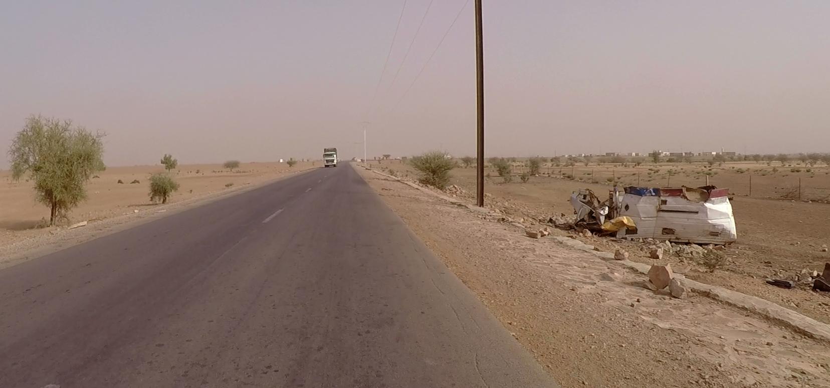coches rotos mauritania pablocaminante - Mauritania 2/5, de Nouadhibou a Nouakchott