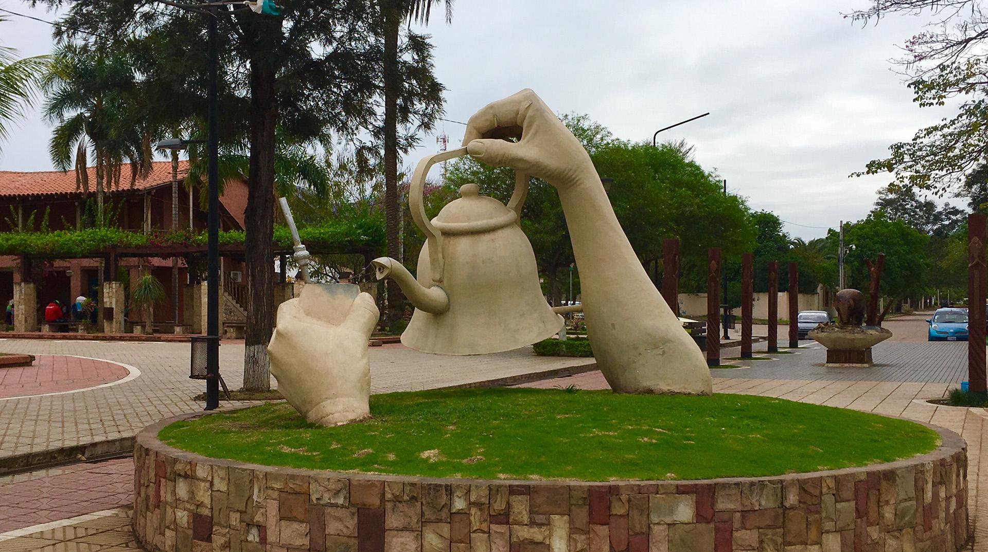 monumento mate villamontes bolivia pablocaminante - Sudamérica