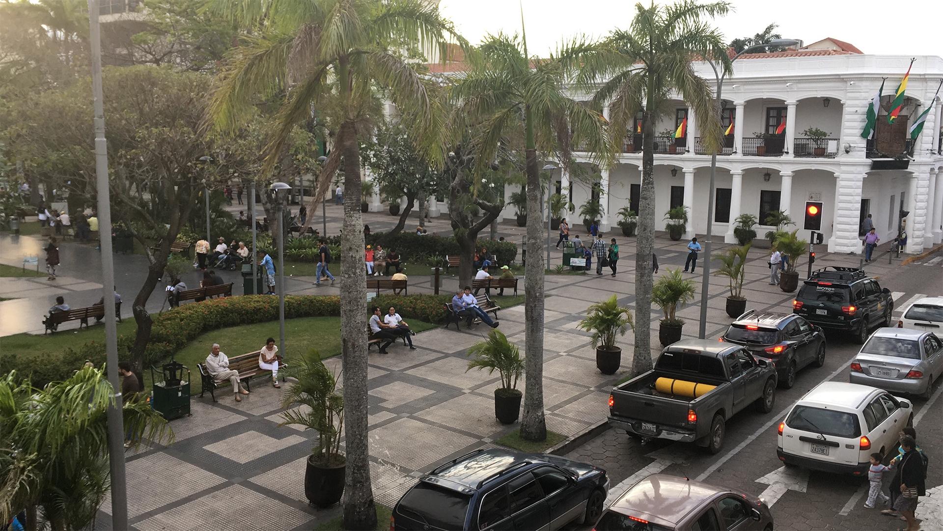 plaza santa cruz bolivia pablocaminante 1 - Ruta del Che, Samaipata