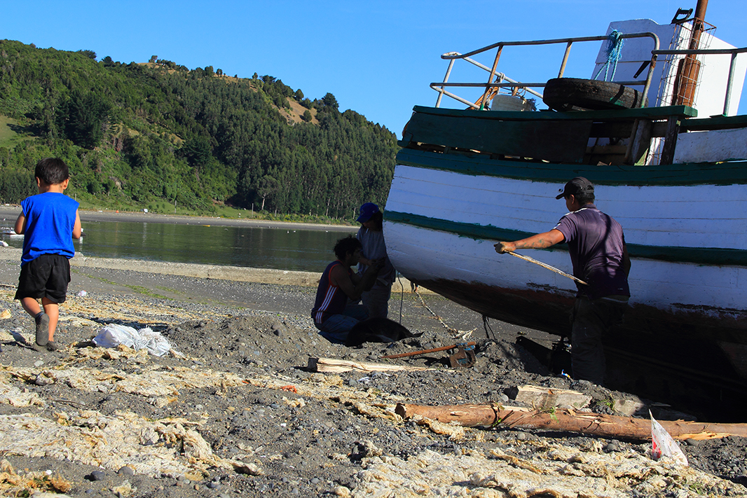 barco pintando chiloe pablocaminante - Chiloé, Chile