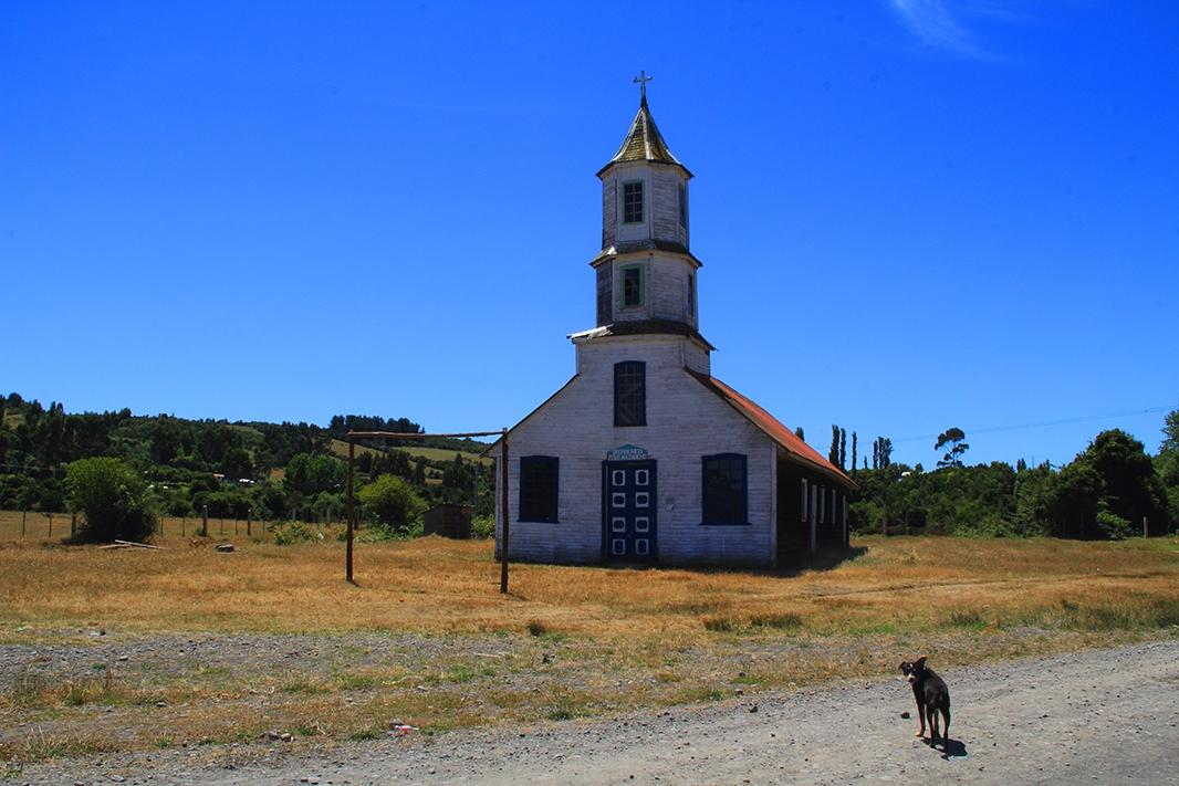 iglesia lin lin pablocaminante - Chiloé, Chile