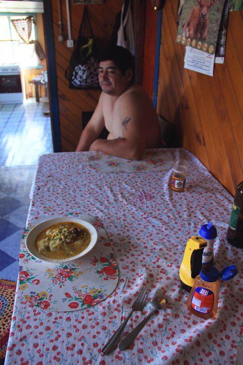 manuel comida isolina pablocaminante 480x720 - Chiloé, Chile