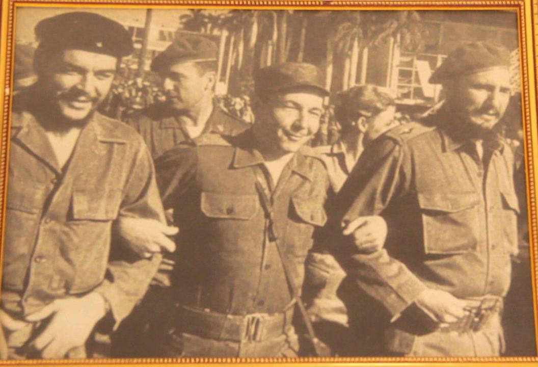 foto mausoleo che vallegrande pablocaminante 1 1056x720 - Che Guevara en Bolivia, breve historia