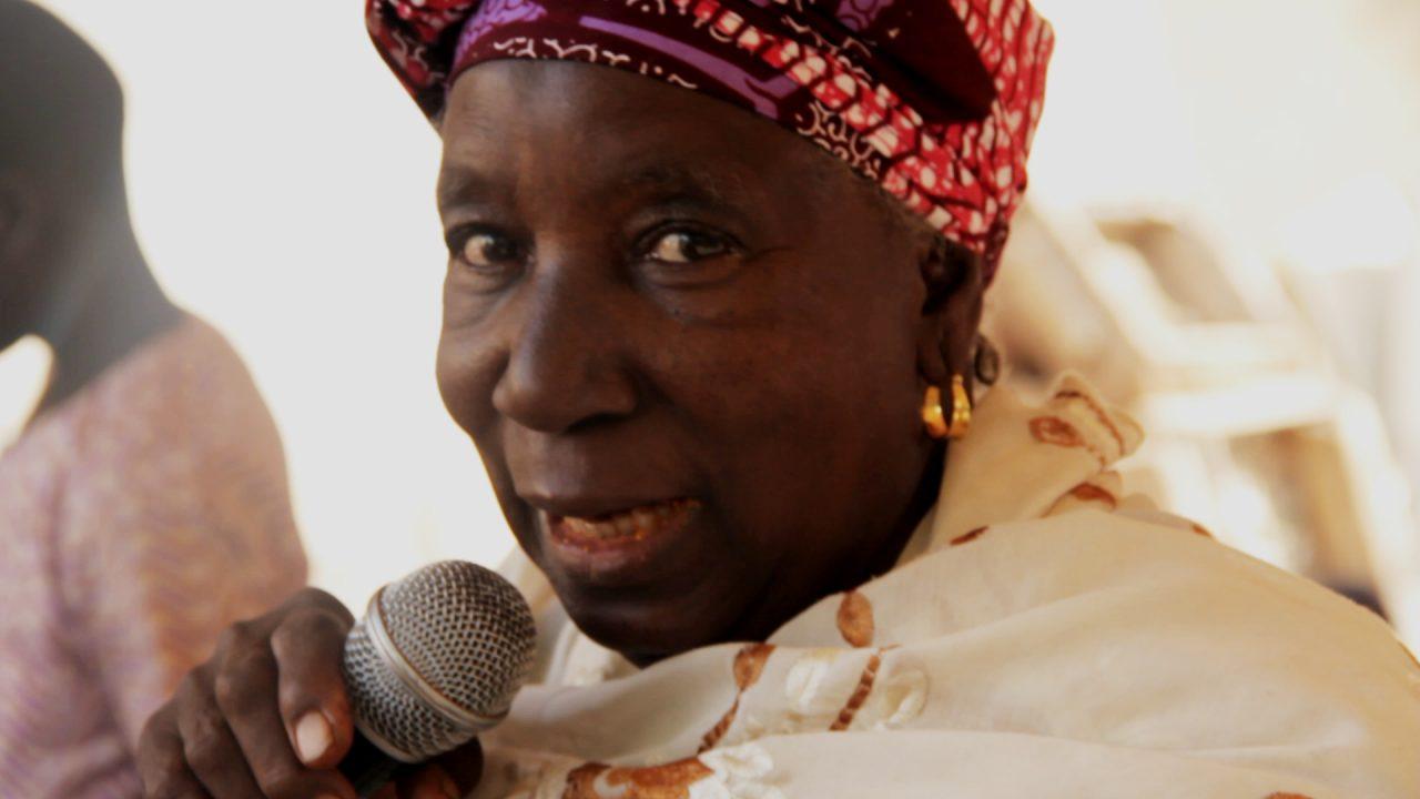 mujer cantando casamiento segou 1280x720 - Malí 3, Ségou