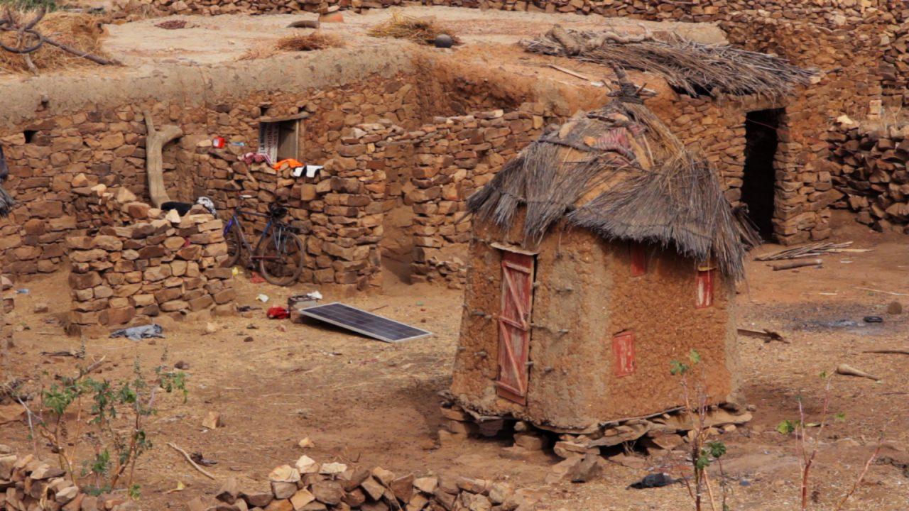 granero djiguibombo pais dogon pablocaminante 1280x720 - Malí 5, País Dogon II: Djiguibombó