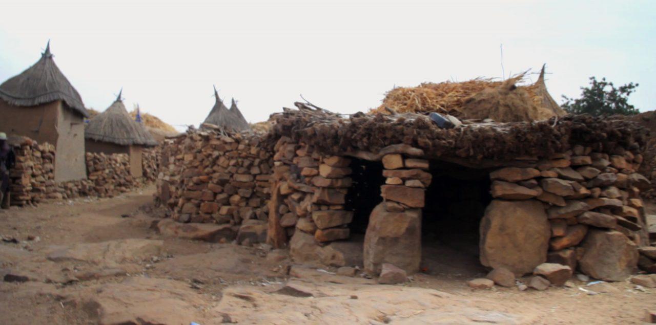 toguina central pablocaminante bandido cine 1280x635 - Malí 4, País Dogon I: Ogossogou