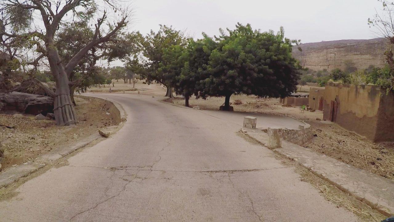bandiagara pablocaminante 1280x720 - Malí 6, País Dogon III: Falla de Bandiagara