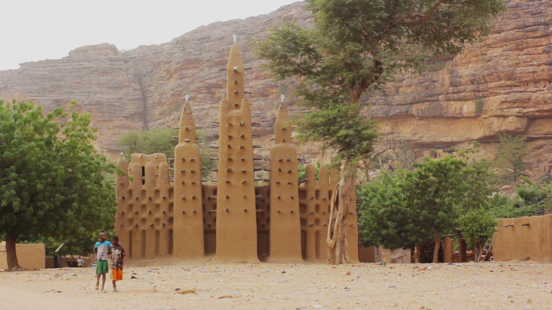 mezquita kanikombole bandiagara pablocamintnate bandido cine - Malí 6, País Dogon III: Falla de Bandiagara
