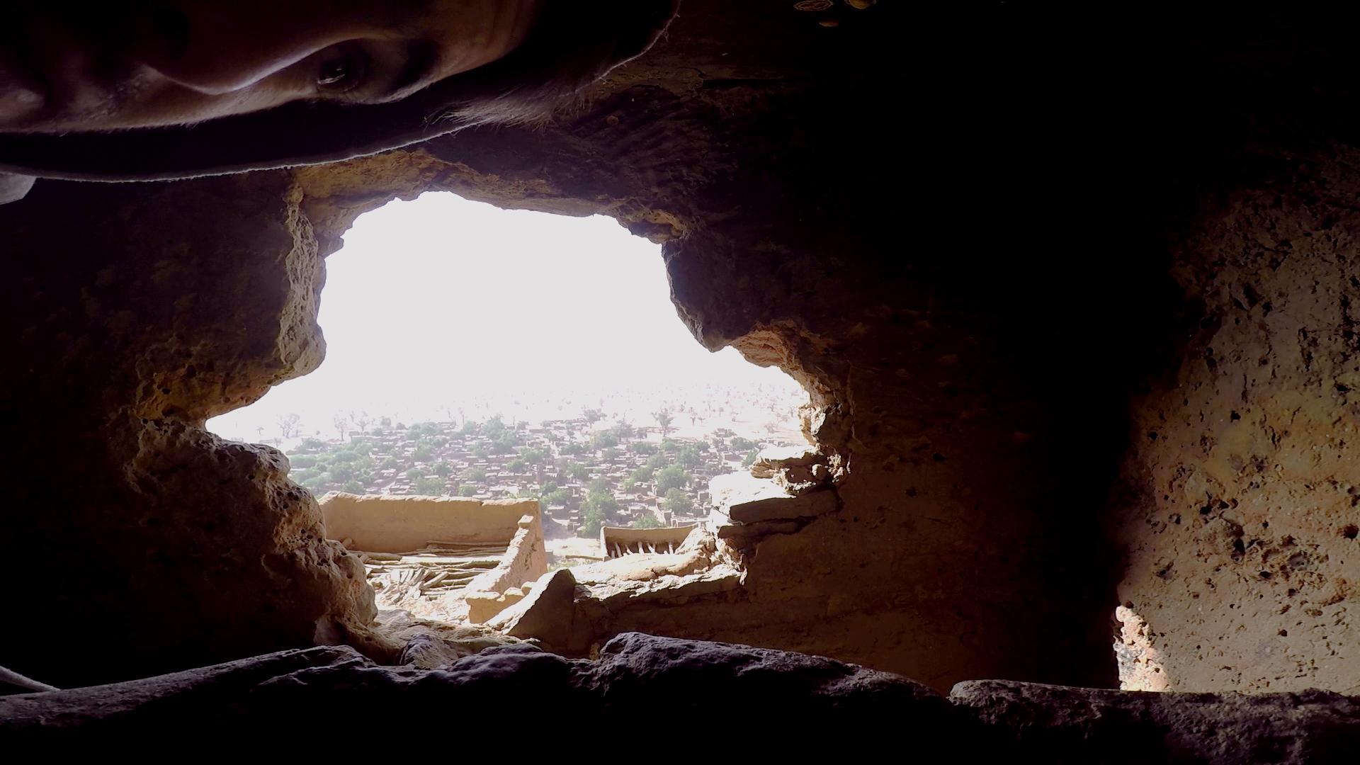 pablocaminante filmando canto dioses mali - Malí 7, País Dogon IV: Tellem