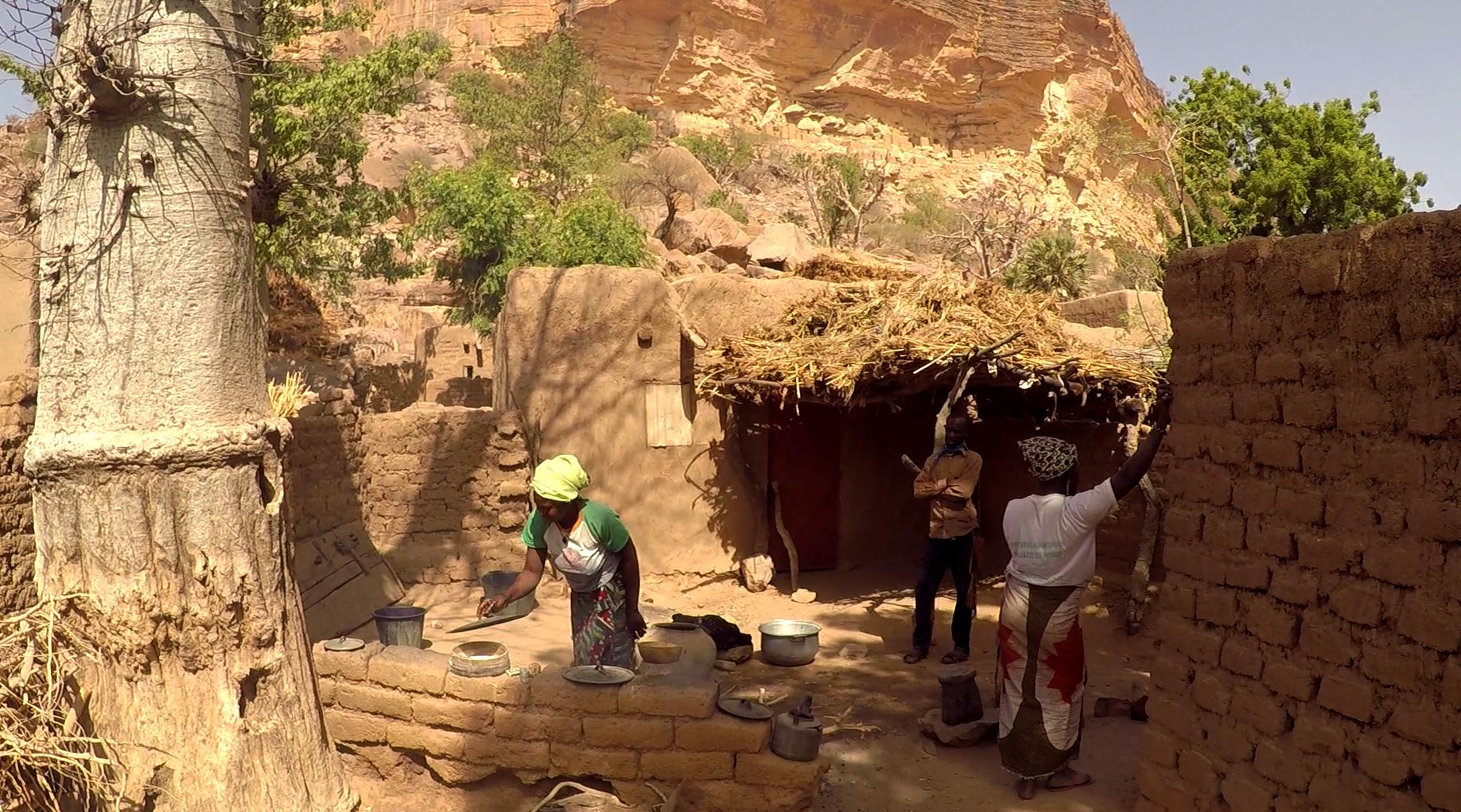 bandiagara bogolan dogon ende pablocaminante - Malí 8, País Dogon V: moda, arte y religión
