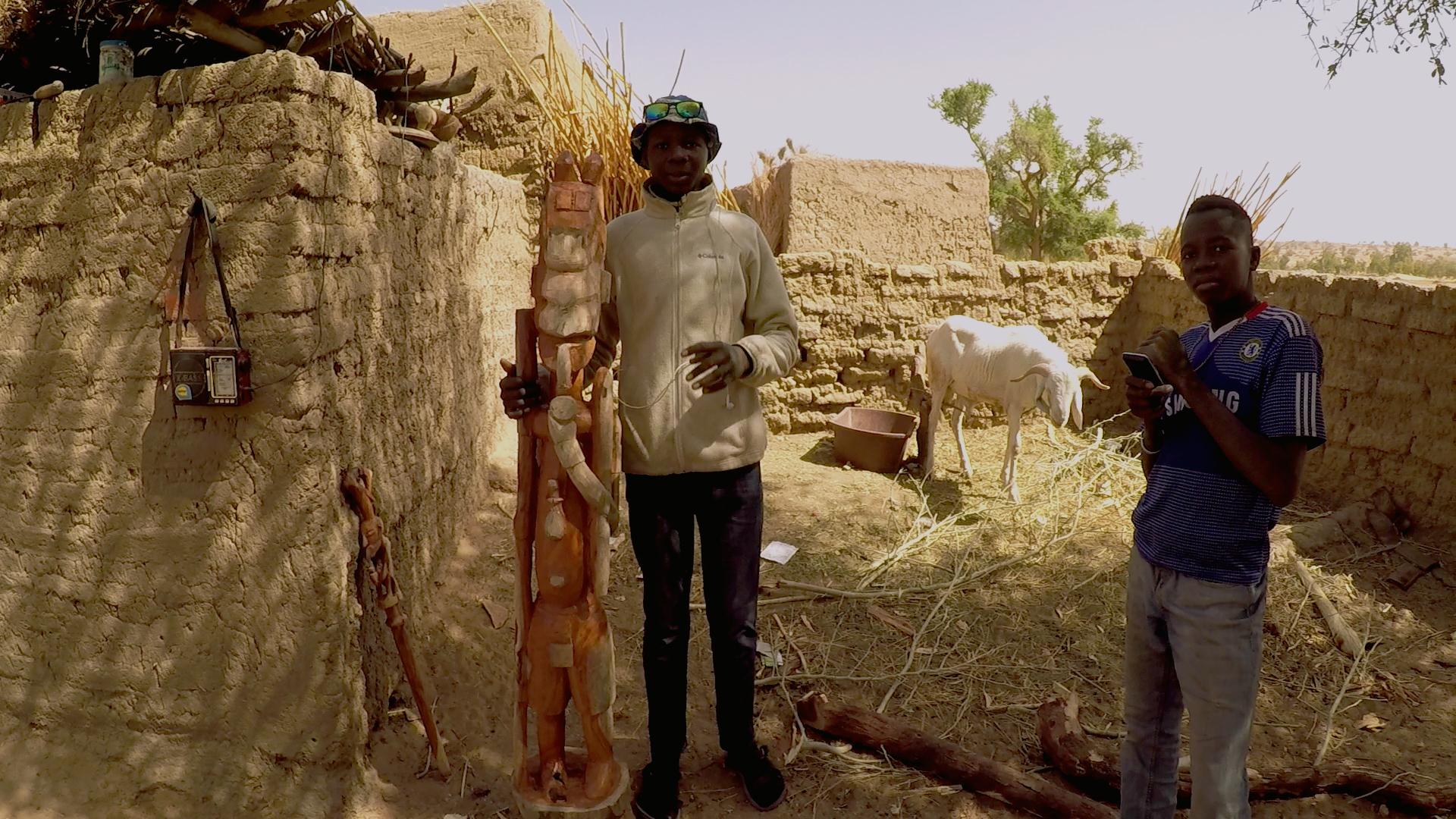 herrero dogon mali pablocaminante ebanistas - Malí 8, País Dogon V: moda, arte y religión