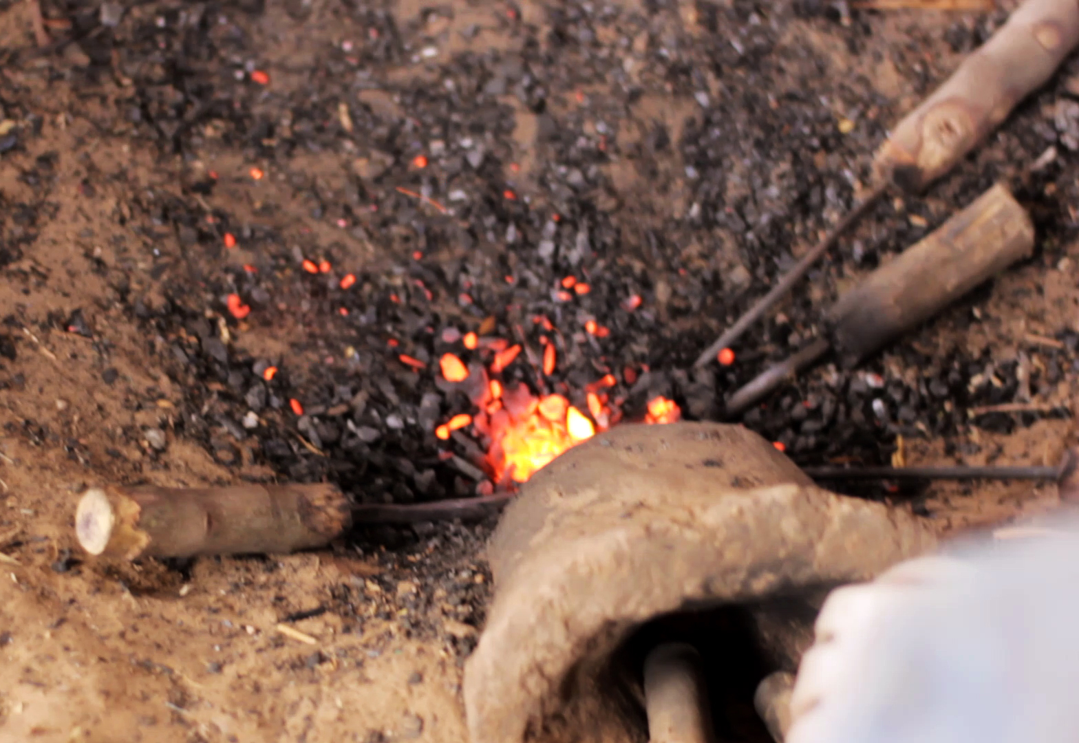 pablocaminante bandido dogon herrero mali - Malí 8, País Dogon V: moda, arte y religión
